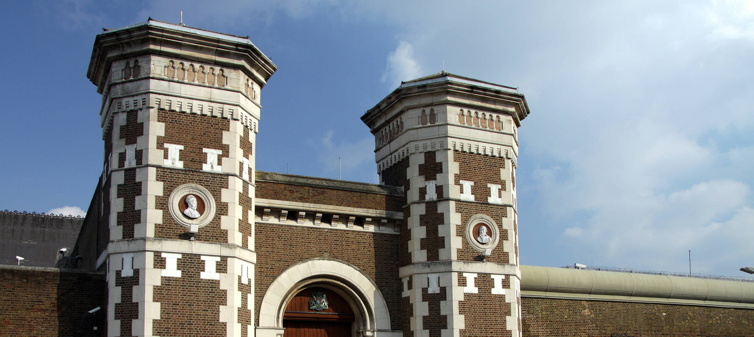 Tussell Briefing: MoJ offers £1.8B for prison transport & more stories